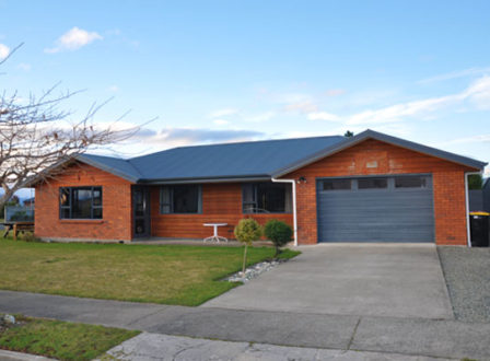 Superior Cottage Accommodation in Te Anau
